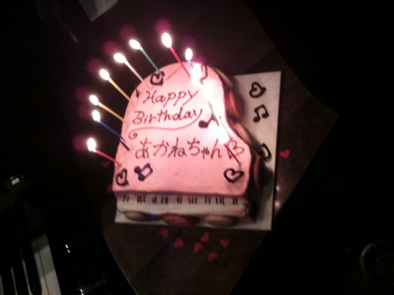 ピアノ形のケーキ