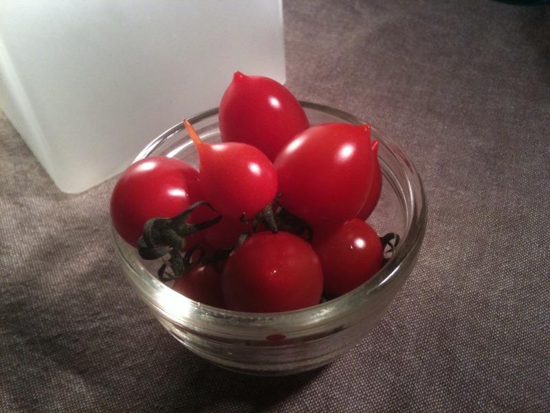 とんがりトマト